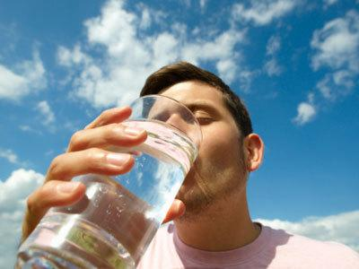 Not everyone needs two litres of water a day. A recent study found that much of the water we need is consumed in the food we eat, and how much water we need is influenced by factors such as the weather and our weight.