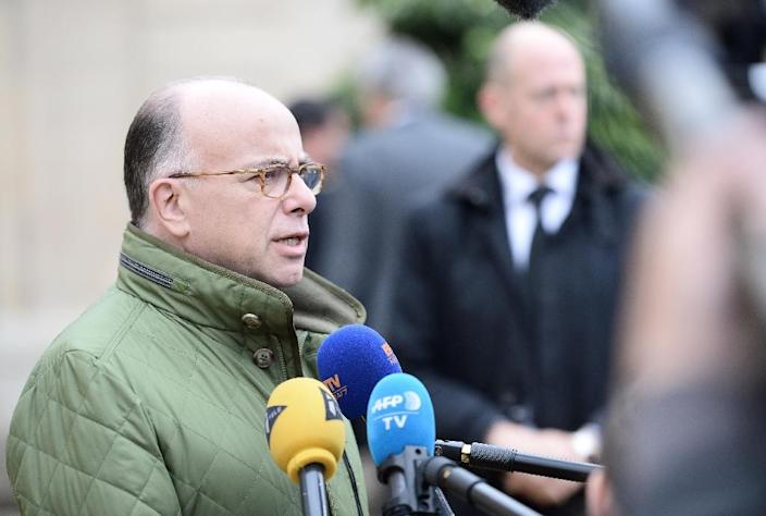 French Interior Minister Bernard Cazeneuve addresses the media following the weekly cabinet meeting at the Elysee presidential palace in Paris on June 1, 2016 (AFP Photo/Stephane De Sakutin)