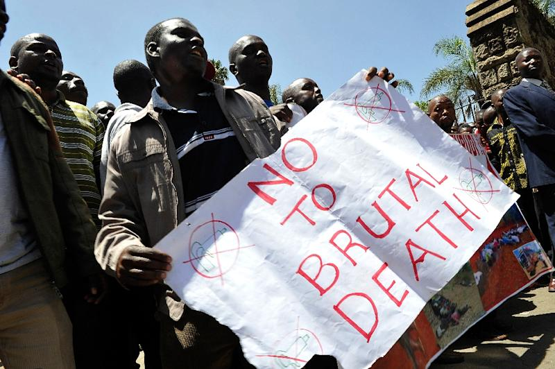 Kenyan teachers demonstrate in Nairobi on February 3, 2015 to seek reassignment away from the north east after 20 teachers were killed by Islamists (AFP Photo/Simon Maina)