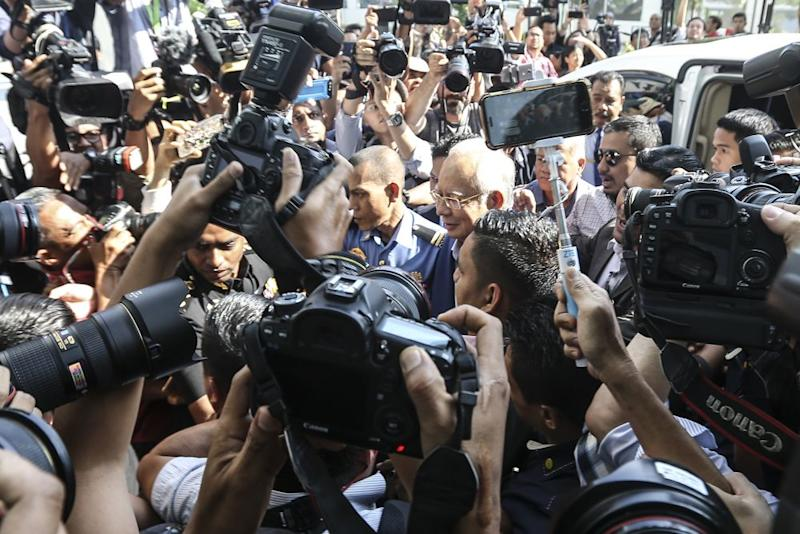 Datuk Seri Najib Razak arrives at the MACC headquarters in Putrajaya to give his statement, May 22, 2018. ― Picture by Azneal Ishak