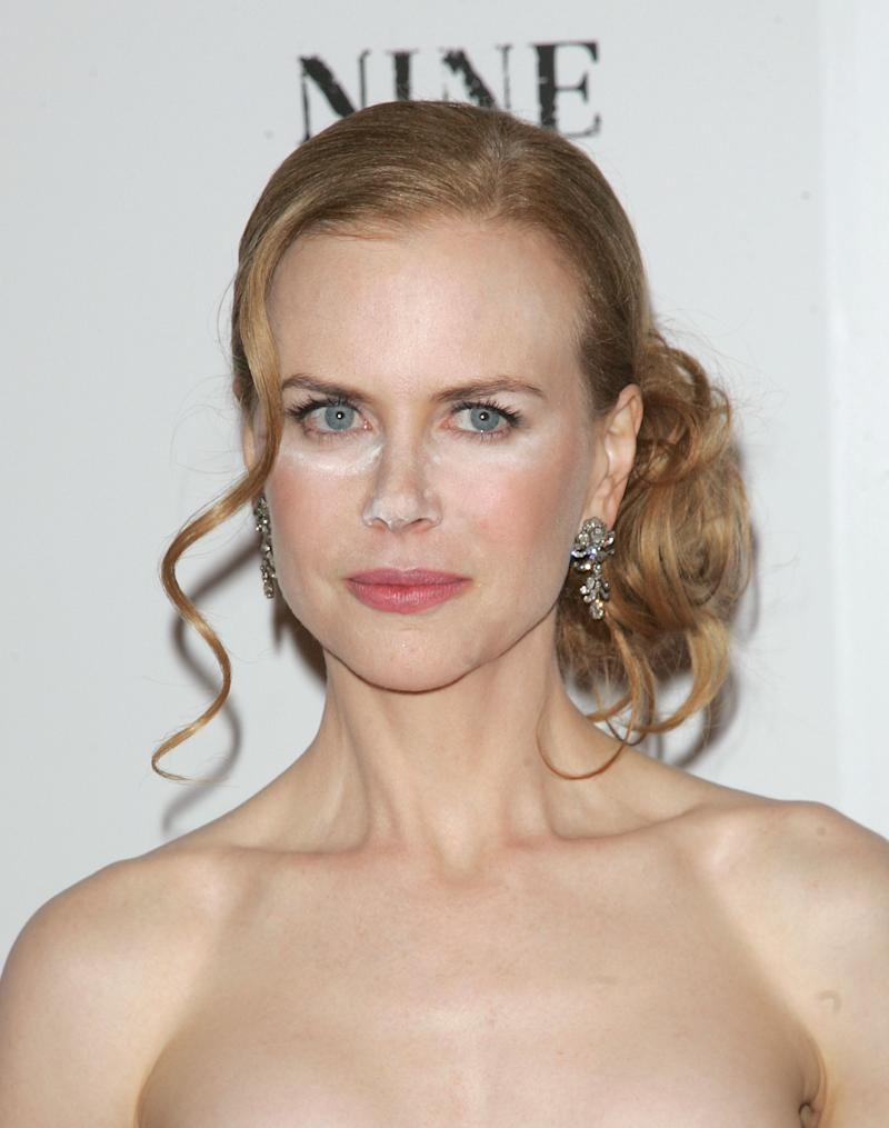 "Nicole Kidman attends the New York premiere of ""Nine"" at the Ziegfeld Theatre on December 15, 2009 in New York City"