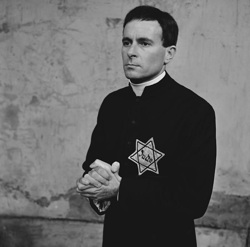 Alec McCowen as Father Riccardo Fontana in The Representative at the Aldwych theatre, London.