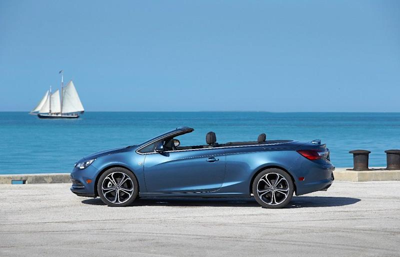 2019 Buick Cascada Convertible comes in a wide array of soft-top and exterior color options.