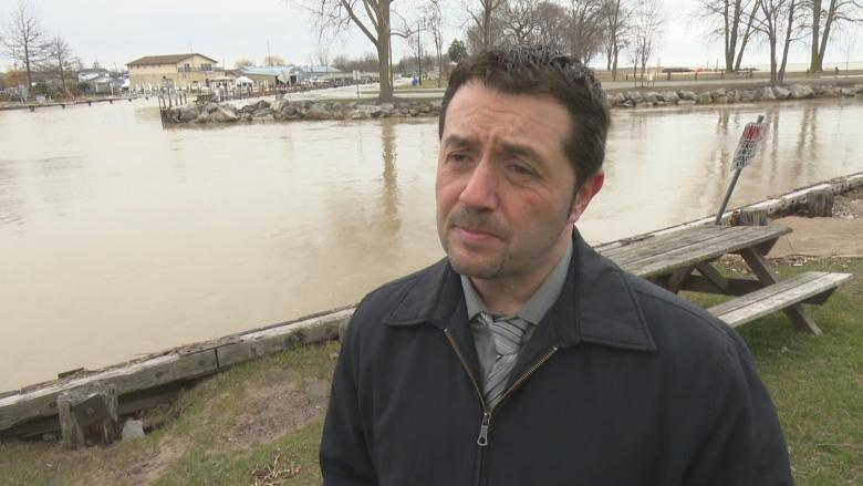 Kingsville mayor calls for funding as shoreline homes bashed by storms