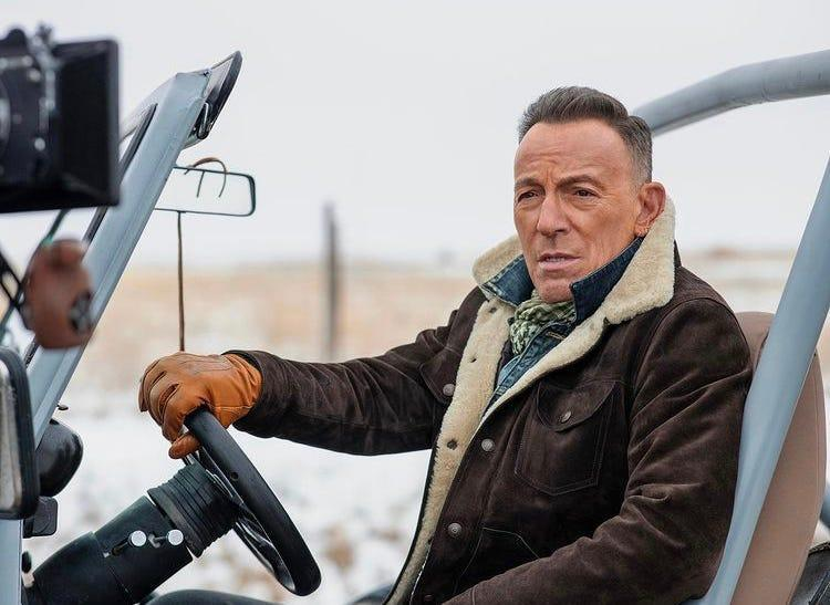 """Bruce Springsteen filming """"The Middle."""""""