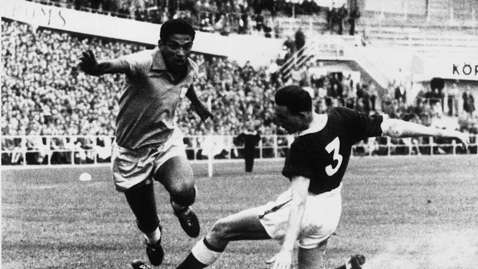 Garrincha in un Brasile-Galles | Central Press/Getty Images
