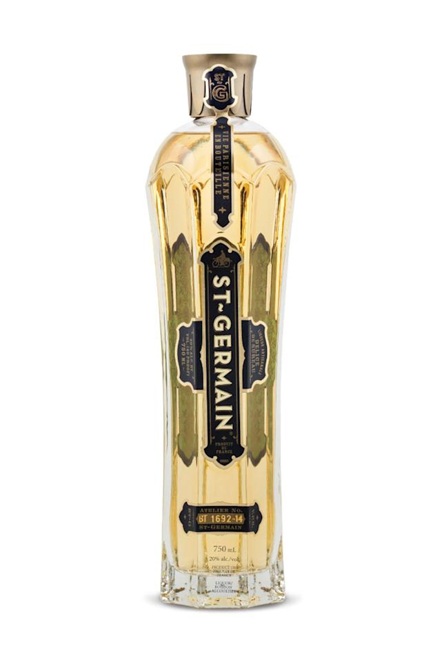Drink decor the prettiest liquor bottles to have on your for Decor drink bottle