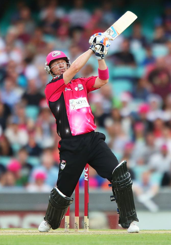 SYDNEY, AUSTRALIA - DECEMBER 26:  Brad Haddin of the Sixers bats during the Big Bash League match between the Sydney Sixers and the Hobart Hurricanes at SCG on December 26, 2012 in Sydney, Australia.  (Photo by Brendon Thorne/Getty Images)