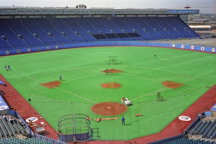 1920px-Exhibition Stadium before the Toronto Blue Jays faced the Chicago White Sox on May 27, 1988 1