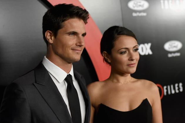 Robbie Amell and Italia Ricci Are Married! See Their Stunning Wedding Photo