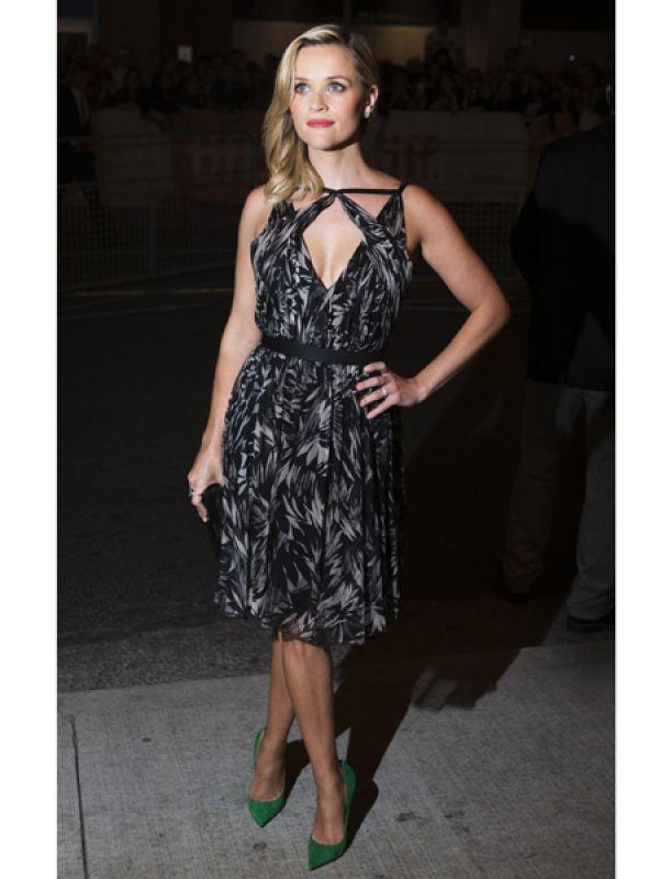 <p><strong>Reese Witherspoon</strong>: Reese added a dash of colour to her Jason Wu dress with bold green pumps.</p>