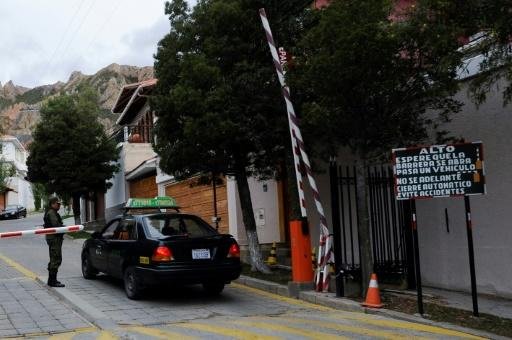 A checkpoint at the main entrance of La Rinconada Development, where the residence of the Mexican embassy is located in La Paz