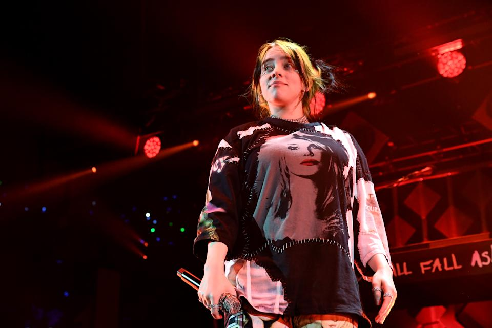 INGLEWOOD, CALIFORNIA - DECEMBER 06: (EDITORIAL USE ONLY. NO COMMERCIAL USE.) Billie Eilish performs onstage during 102.7 KIIS FM's Jingle Ball 2019 Presented by Capital One at the Forum on December 6, 2019 in Los Angeles, California. (Photo by Jeff Kravitz/FilmMagic for iHeartMedia)