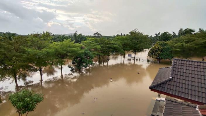 General view of the flooded town of Nakon Si Thammarat province