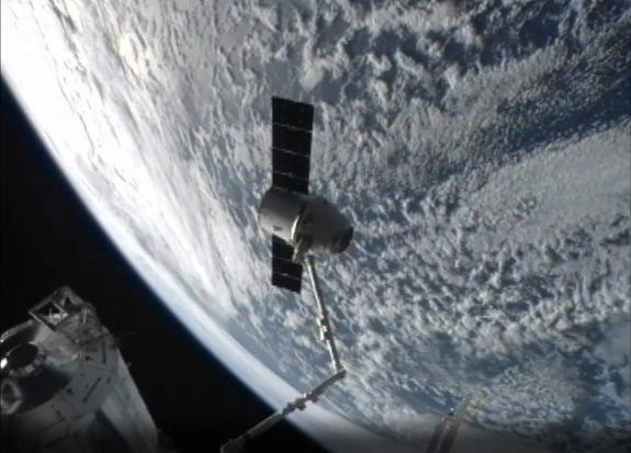 SpaceX Dragon Cargo Capsule Heading Back to Earth