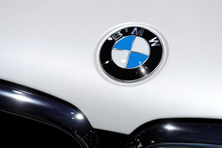 BMW To Recall Cars After Installing Wrong Engine Software - Car show display flooring