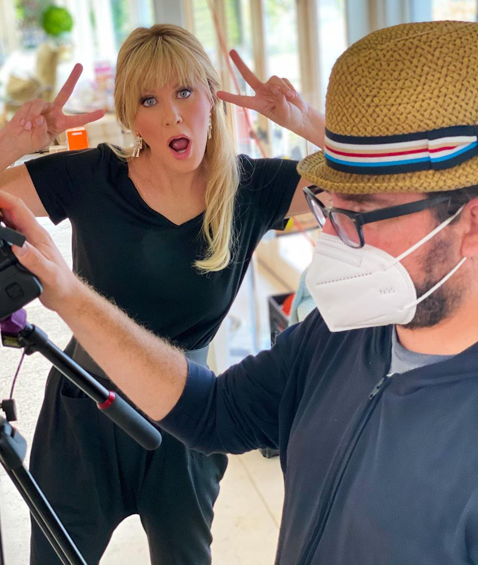 <p>Sandra Lee has fun posing alongside celebrity cameraman Sebastian, while on set to film the <em>Today</em> show's new <em>Today All Day</em> series.</p>