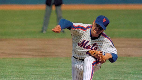 PHOTO: In this April 5, 1983, file photo, New York Mets pitcher Tom Seaver throws against the Philadelphia Phillies during an Opening Day baseball game at Shea Stadium in New York. (Richard Drew/AP, File)