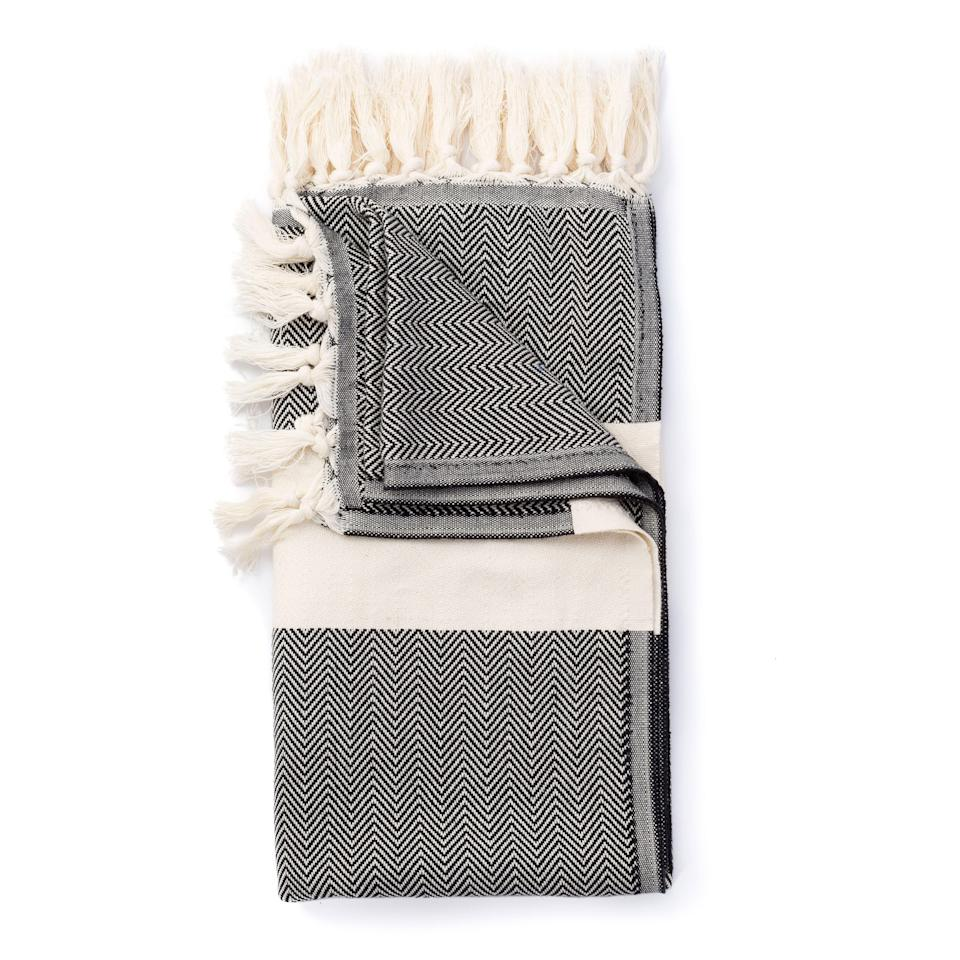 """<p><strong>Turkish Towels</strong></p><p>huckberry.com</p><p><a href=""""https://go.redirectingat.com?id=74968X1596630&url=https%3A%2F%2Fhuckberry.com%2Fstore%2Fturkish-towels%2Fcategory%2Fp%2F50581-herringbone-turkish-towel&sref=https%3A%2F%2Fwww.esquire.com%2Fstyle%2Fmens-fashion%2Fg36547229%2Fhuckberry-memorial-day-sale%2F"""" rel=""""nofollow noopener"""" target=""""_blank"""" data-ylk=""""slk:Shop Now"""" class=""""link rapid-noclick-resp"""">Shop Now</a></p><p><strong><del>$45</del> $25 (45% off)</strong></p>"""