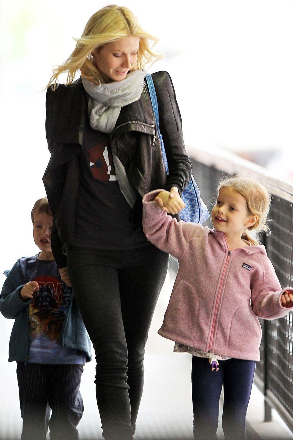 """<p>Apple Martin is the mini-me of her mother, actress Gwyneth Paltrow. <a href=""""https://www.instagram.com/p/BoMiWcGnmkU/"""" rel=""""nofollow noopener"""" target=""""_blank"""" data-ylk=""""slk:Recent Instagram posts"""" class=""""link rapid-noclick-resp"""">Recent Instagram posts</a> show the two looking even more alike as time goes on. </p>"""