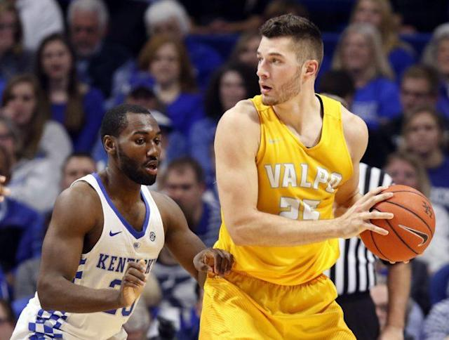 """<a class=""""link rapid-noclick-resp"""" href=""""/ncaab/players/121293/"""" data-ylk=""""slk:Alec Peters"""">Alec Peters</a> (R) went to Phoenix with the 54th pick of the 2017 NBA draft. (AP)"""