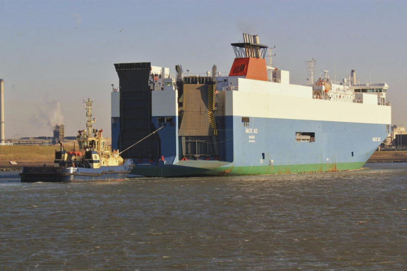 Dutch call off search for 6 missing crewmen