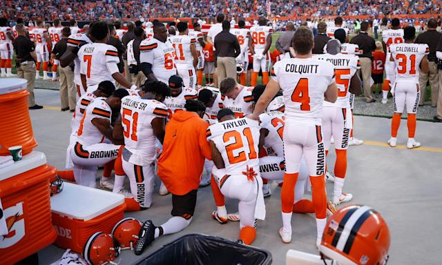 A group of Cleveland Browns players took part in the largest national anthem protest yet before their Monday night preseason game against New York.