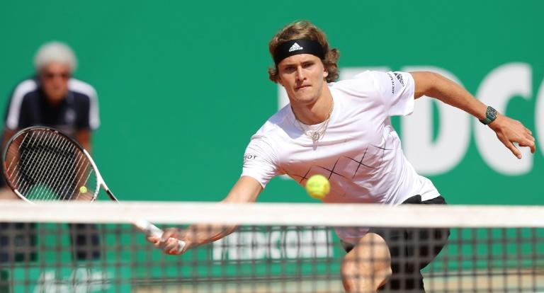 Alexander Zverev edged out his fellow German Jan Lennard-Struff to reach the Monte Carlo Masters quarter-finals