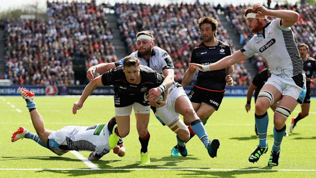 Vincent Clerc's record of 36 tries in Europe's top competition was matched by Chris Ashton as Saracens dismantled Glasgow Warriors.