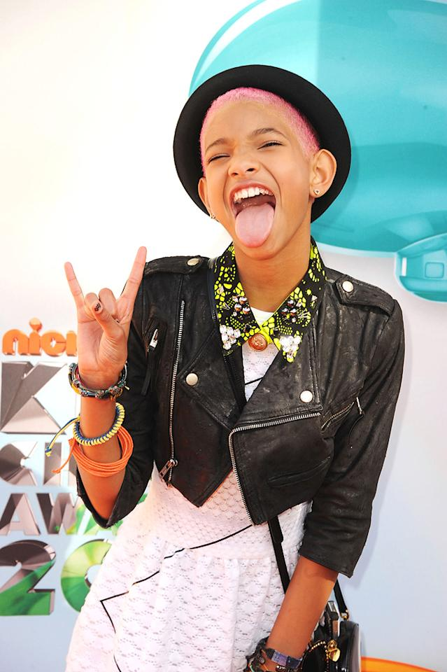 Willow Smith arrives at the 2012 Nickelodeon Kids' Choice Awards in Los Angeles, California.