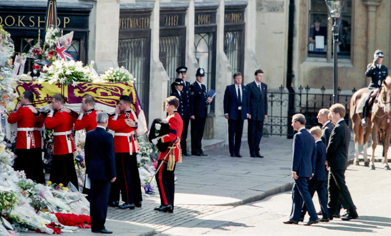 LONDON, ENGLAND - SEPTEMBER 6: The Duke of Edinburgh, Prince William, Earl Spencer, Prince Harry, and Charles, Prince of Wales in the Funeral Procession, at Diana Princess of Wales's Funeral, arriving at Westminster Abbey, London, on September 6, 1997, in London, England. (Photo by Julian Parker/UK Press via Getty Images)