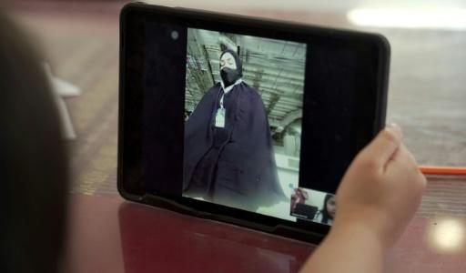 Thanks to her smartphone Yahra is sharing every step of the pilgrimage with her husband and three daughters home in the Saudi city of Khobar