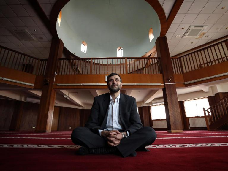 New Zealand attack: Media and politicians have 'big responsibility' to stop feeding hatred towards Muslims, says mosque leader