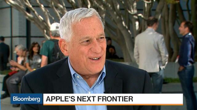 "Oct. 19 -- Walter Isaacson, Aspen Institute's chief executive officer and author of ""Steve Jobs,"" discusses the prospects for Amazon and Apple with Bloomberg's Emily Chang and Brad Stone at the Vanity Fair New Establishment Summit in San Francisco."