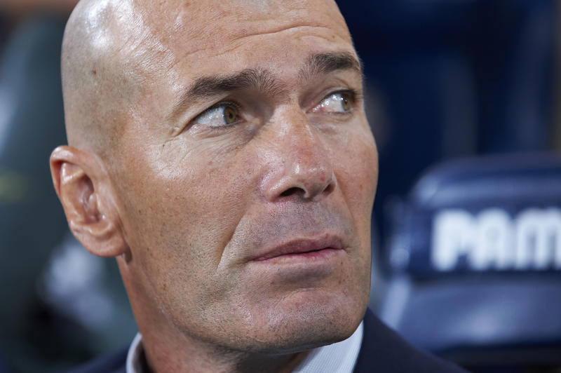 Zinedine Zidane of Real Madrid sitting on the bench during the Liga match between Villarreal CF and Real Madrid CF at Estadio de la Ceramica on September 1, 2019 in Villareal, Spain. (Photo by Jose Breton/Pics Action/NurPhoto via Getty Images)