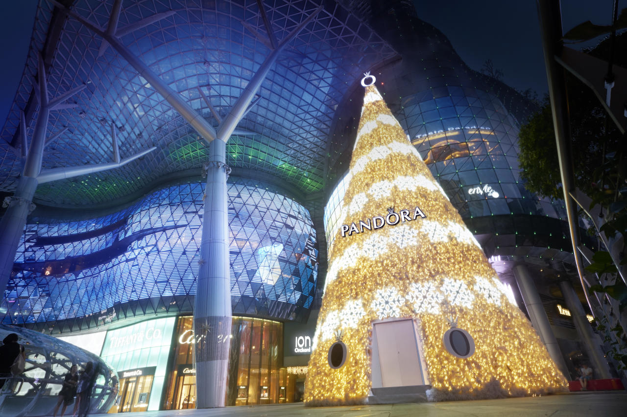 <p>(Photo: ION Orchard and PANDORA)</p>