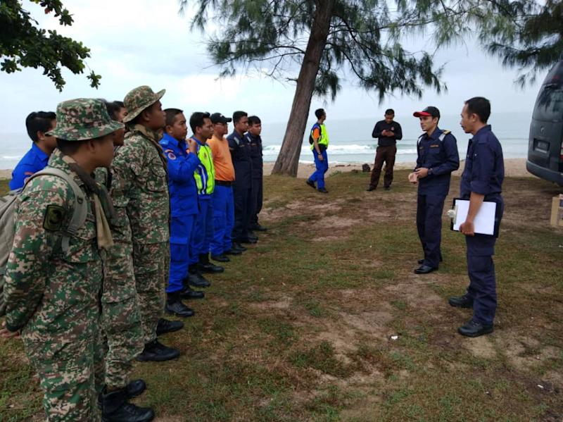 The search and rescue team, led by the Malaysian Maritime Enforcement Agency, has expanded the search area to around six nautical square miles near Kota Tinggi today. — Pictures courtesy of MMEA