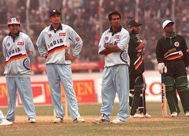 Kanitkar with Tendulkar and Robin Singh
