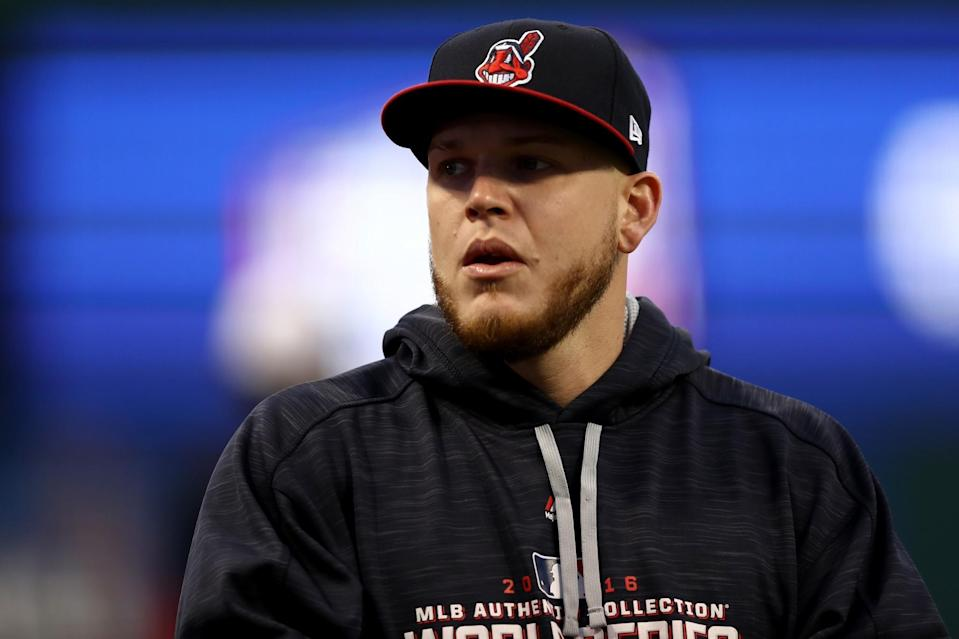 Acupuncture helped give Roberto Perez relief from Bell's palsy. (Getty)
