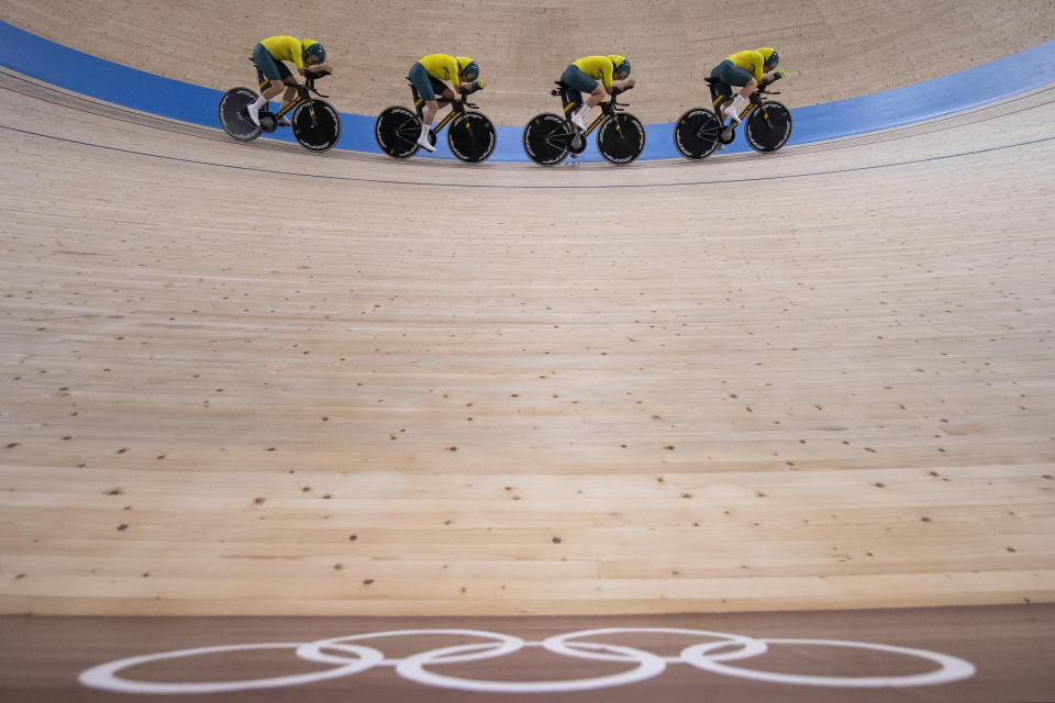 <p>IZU, JAPAN - AUGUST 03: Georgia Baker, Annette Edmondson, Ashlee Ankudinoff and Maeve Plouffe of Team Australia compete during the Women's team pursuit final, 5/6th place of the Track Cycling on day eleven of the Tokyo 2020 Olympic Games at Izu Velodrome on August 03, 2021 in Izu, Japan. (Photo by Justin Setterfield/Getty Images)</p>
