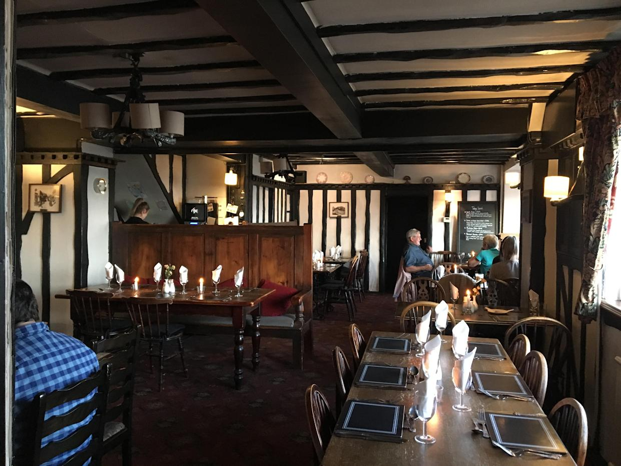 The pub said the no-shows booked 42 seats on purpose with the intention of 'disrupting them financially'. (Reach)