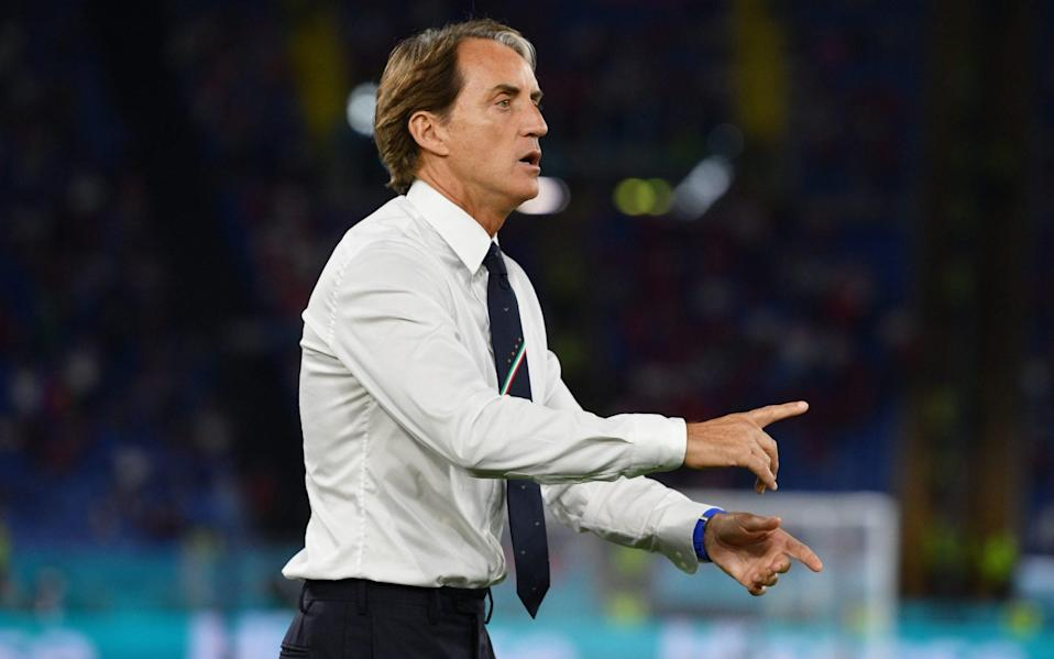 Roberto Mancini, Head Coach of Italy gives their team instructions during the UEFA Euro 2020 Championship Group A match between Turkey and Italy at the Stadio Olimpico on June 11, 2021 in Rome, Italy. - UEFA/UEFA via Getty Images)