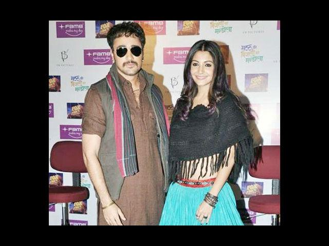 <b>5. Imran Khan and Anushka Sharma in Matru Ki Bijlee Ka Mandola</b><br> Imran Khan and Anushka Sharma will be seen for the first time in Vishal Bhardwaj's 'Matru Ki Bijlee Ka Mandola'. This is the first time that Vishal is venturing into comedy and from its promos, the film seems to be a hilarious watch.