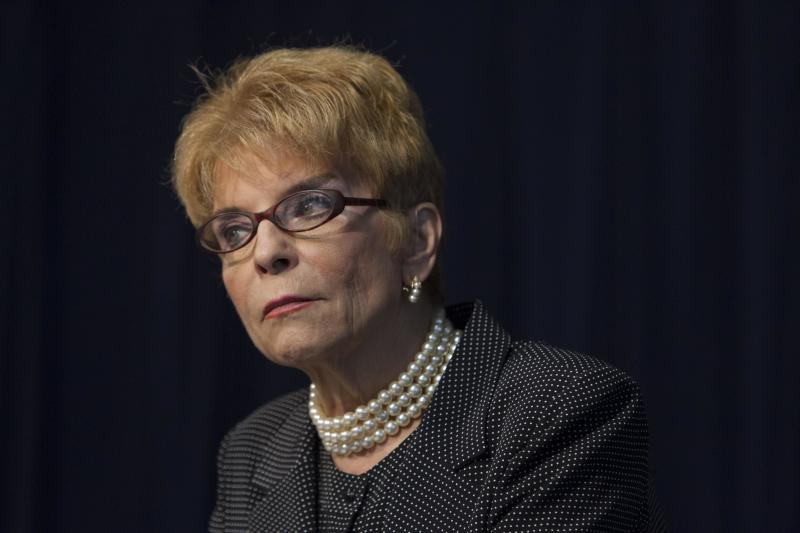 Comptroller says she can't pay Illinois lawmakers