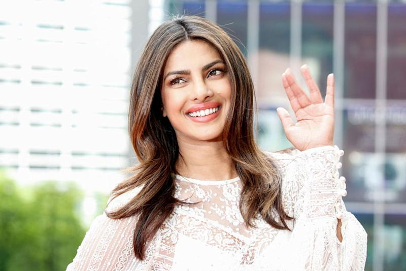 Priyanka Chopra's Bright Sunny Avatar Will Wash Away Your Monday Blues; See Pic