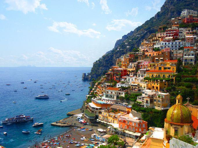 """<p>Many influencers were seen on the <a href=""""https://www.amalficoast.com/"""" rel=""""nofollow noopener"""" target=""""_blank"""" data-ylk=""""slk:Amalfi Coast"""" class=""""link rapid-noclick-resp"""">Amalfi Coast</a> in the summer of 2018. Not only a fashionable spot, it catered to lovers of turquoise waters and charming old world architecture. </p>"""