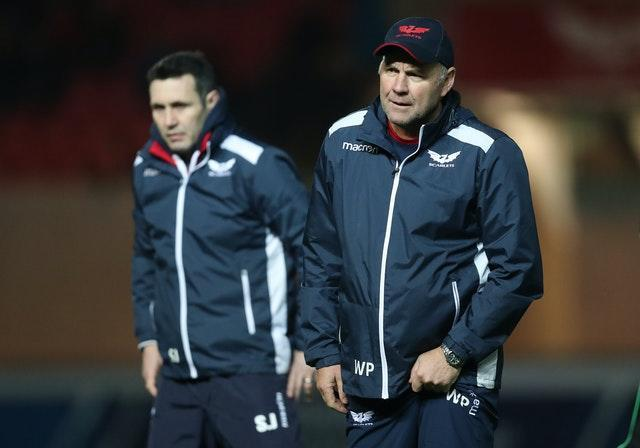 Wayne Pivac (right) enjoyed a successful stint in charge of the Scarlets