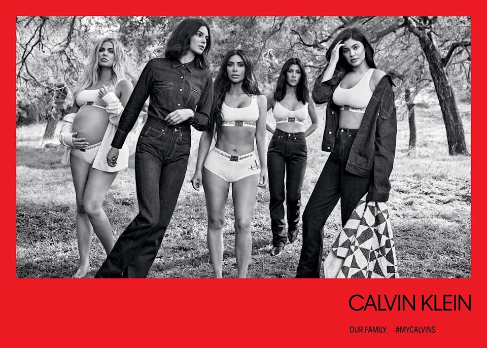 <p><strong>Models:</strong> Khloé Kardashian, Kendall Jenner, Kim Kardashian, Kourtney Kardashian, Kylie Jenner<br><strong>Photographer:</strong> Willy Vanderperre<br>(Photo: Willy Vanderperre) </p>