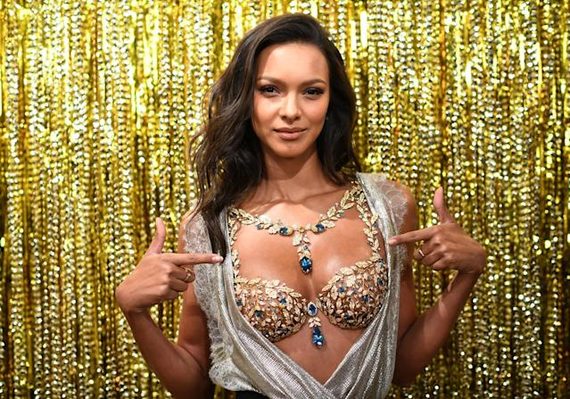 Victoria's Secret Angel Lais Ribeiro reveals the $2 Million 2017 Champagne Nights Fantasy Bra on November 1, 2017 in New York City. (Photo: Getty Images)