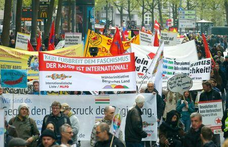 Activists protest against the AFD party congress in Cologne